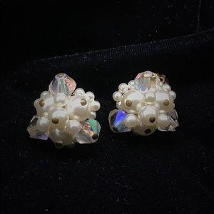 Lovely vintage crystal earrings
